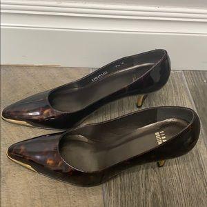 Stuart Weitzman Tortoise shell point heels size7.5